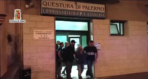 Rapina con il taser in banca a Ficarazzi, due arresti