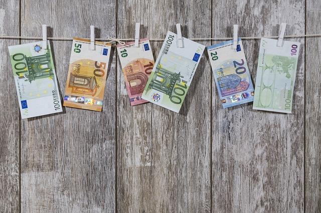 Conti pubblici, Bankitalia: a marzo debito sale a 2.032 mld -2